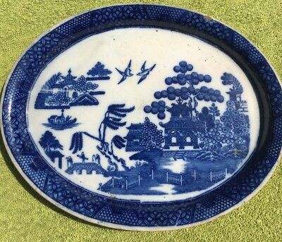 Georgian Staffordshire Pearlware teapot stand in blue and white willow pattern