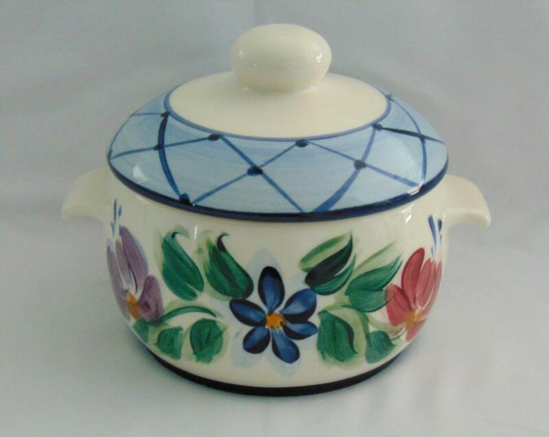 VINTAGE 1995 SIGNED GAIL PITTMAN ANNABELLA INDIVIDUAL CASSEROLE W/LID - GREAT!