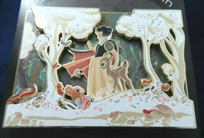 Disney Pin Artland UK Snow White Jumbo Caltsoudas Artwork Gold LE 100 #143571