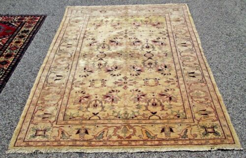 OUSHAK DESIGN ORIENTAL RUG A HIGH QUALITY HAND WOVEN FROM FINE LOCAL ESTATE