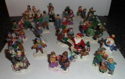 Christmas Village 23 figures figurines assortment