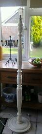Lovely Vintage Wooden Standard Lamp (Cream)