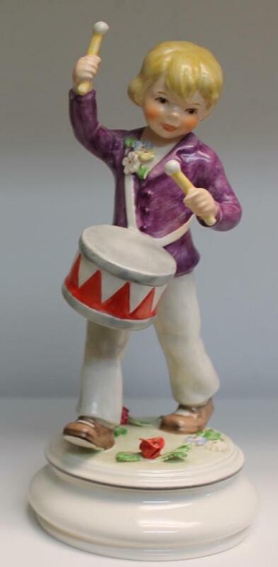 "Goebel Lore Blumenkinder Boy with Drum TMK6 Ltd Ed #26 / 2,000 8"" Tall"