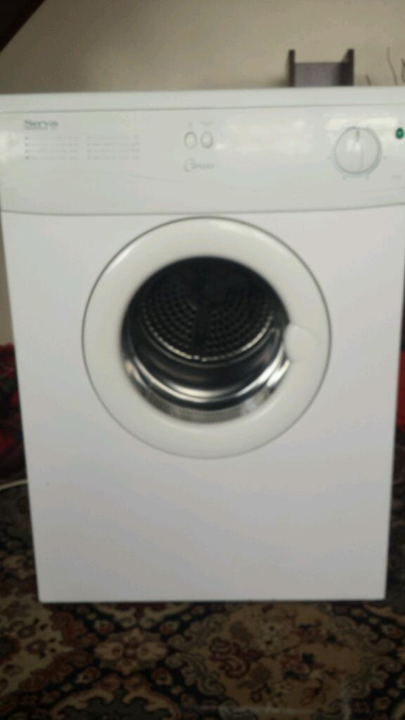 Servis tumble dryerin Newcastle under Lyme, StaffordshireGumtree - Servis 5kg rear vented reverse action tumble dryer. In very good condition and working as it should. No venting hose. Collection from my home address is preferred. Delivery can be arranged for a small fee. Thanks for looking