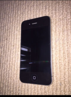 IPHONE 4 in perfect condition with charger