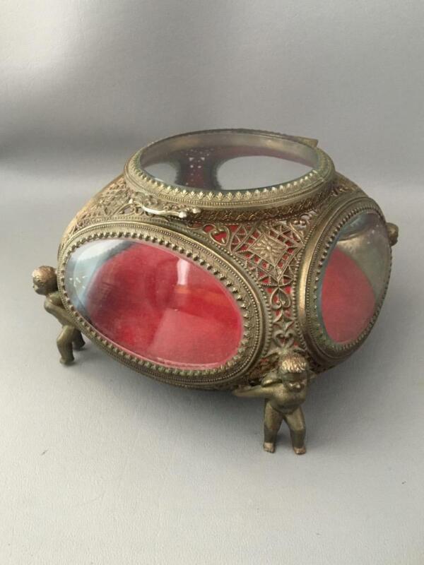 VTG BRONZE TONE BRASS? FILIGREE & BEVELED GLASS CHERUB FOOTED JEWELRY CASKET BOX