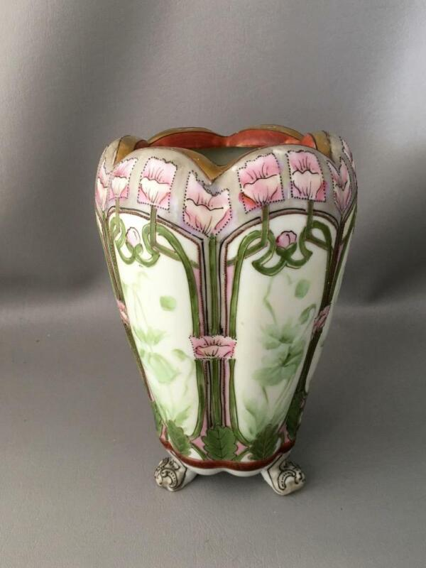 ANTIQUE VTG NIPPON GOLD MORIAGE & PORCELAIN HAND PAINTED LOTUS FLOWER FOOT VASE