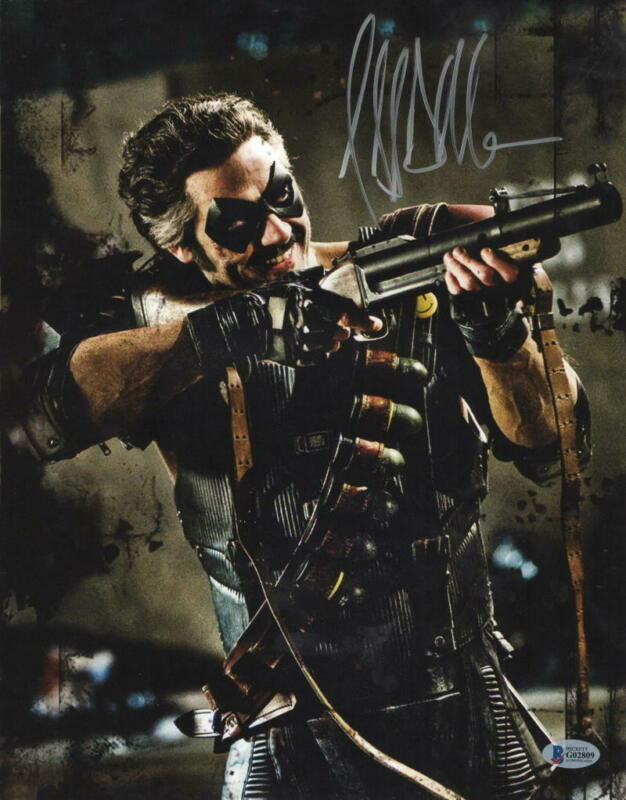 JEFFREY DEAN MORGAN SIGNED 11X14 PHOTO WATCHMEN COMEDIAN AUTOGRAPH BECKETT COA B