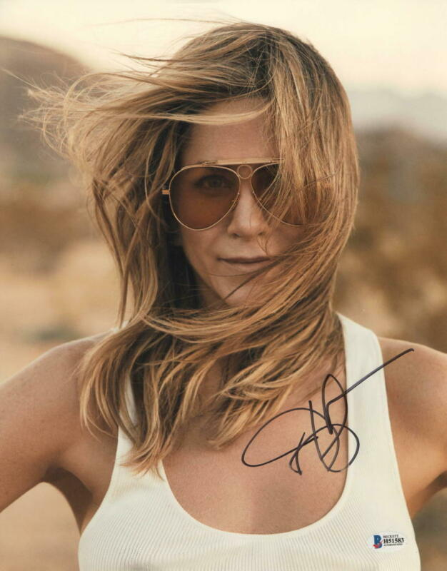 HOT SEXY JENNIFER ANISTON SIGNED 11X14 PHOTO AUTHENTIC AUTOGRAPH BECKETT COA C