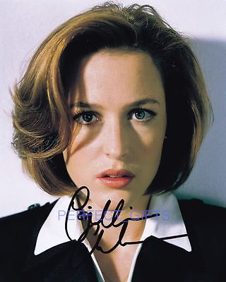GILLIAN ANDERSON SIGNED 10X8 PP PHOTO scully x files