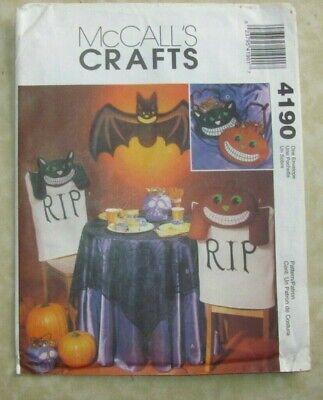 McCalls Pattern 4190 Halloween Decorations Bat Black Cat Tablecloth Treat Bags](Halloween Pattern)