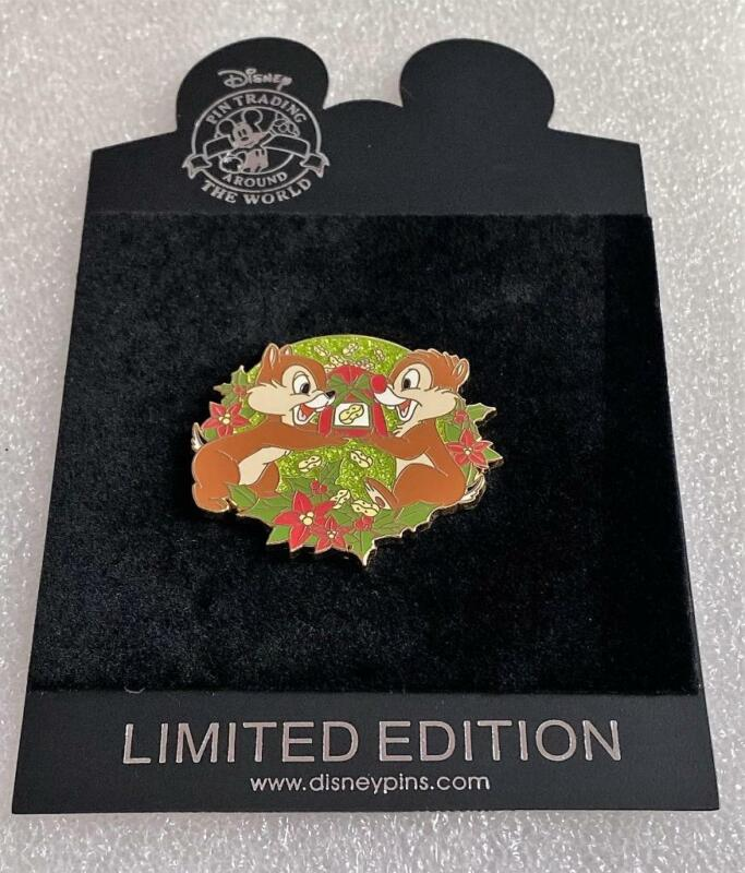 DS Disney Store Chip and Dale Christmas Holiday Series LE 250 Pin