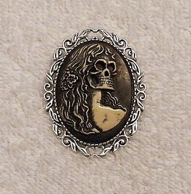 NEW HALLOWEEN CAMEO BROOCH SKELETON WOMAN GIRL GHOST SPOOKY WITCH PUMPKIN BOO C1