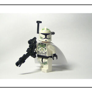 ☆NEW☆ LEGO Star Wars Sand Green Clone Trooper  White Cape & Custom Weapon!