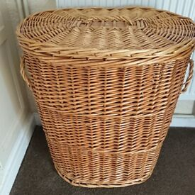 Lovely large wicker basket with lid