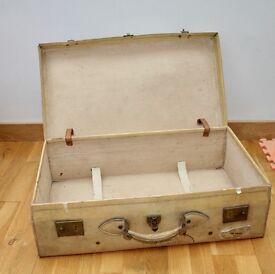 Vintage Suitcase - wonderful display piece