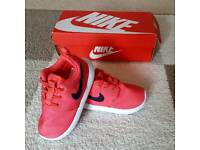 Nike Rosche trainers brand new sizes 7.5 and 2.5 left toddler