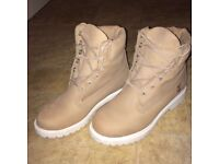 Women's Timberlands - Bone / White - Size 5