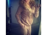 Gorgeous Cashmere tracksuit with a fox fur hood