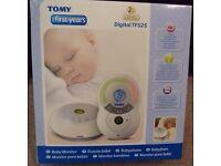 TOMY Digital TF525 baby monitor