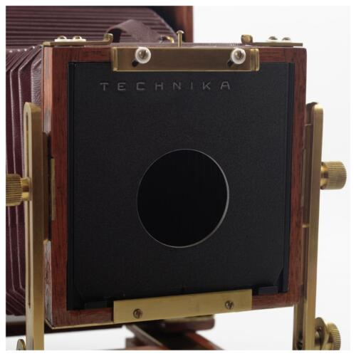 Luland produced  4in 101.6mm  to Linhof 99*96mm  LF lens board adapter