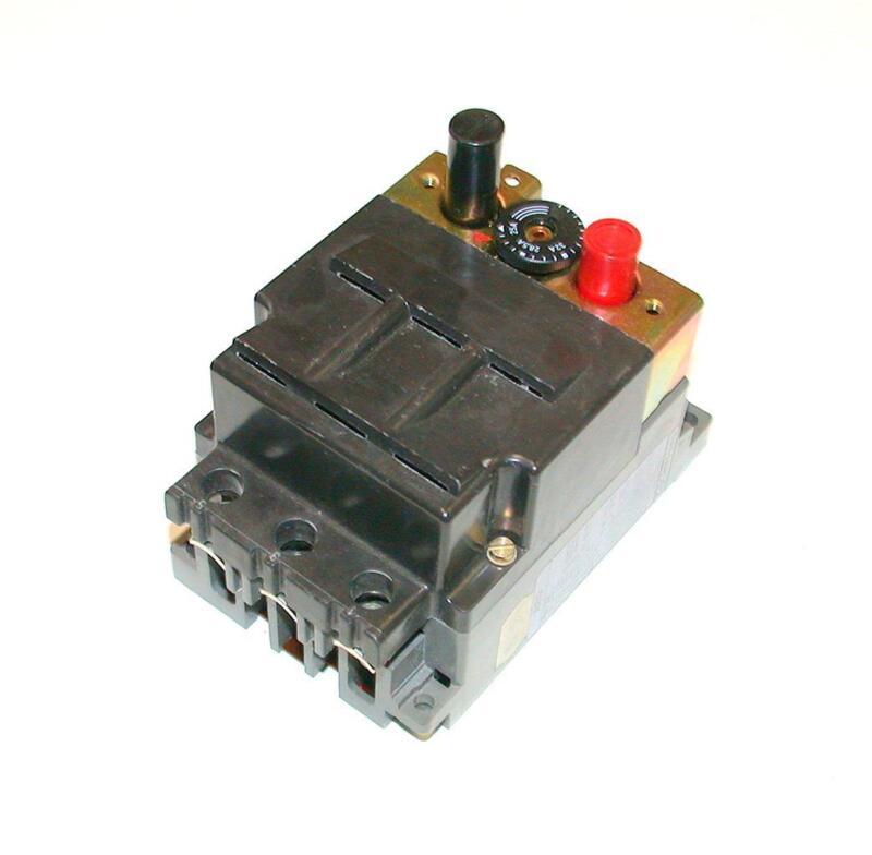 EEC AEG 3-POLE 25-32 AMP CIRCUIT BREAKER   MODEL MBS-32-2P-S