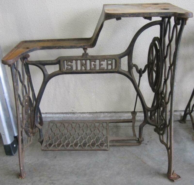 ANTIQUE SINGER 29-4 LEATHER SEWING MACHINE CAST IRON FRAME BASE INDUSTRIAL