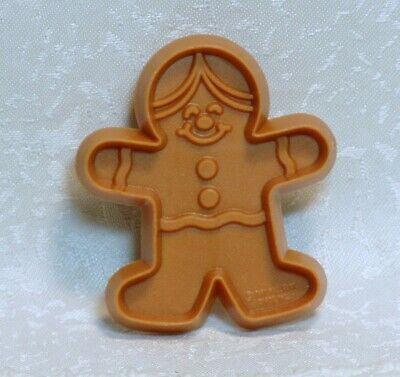 Hallmark Vintage Plastic Cookie Cutter - Petite Gingerbread Boy / Man (Petite Men)