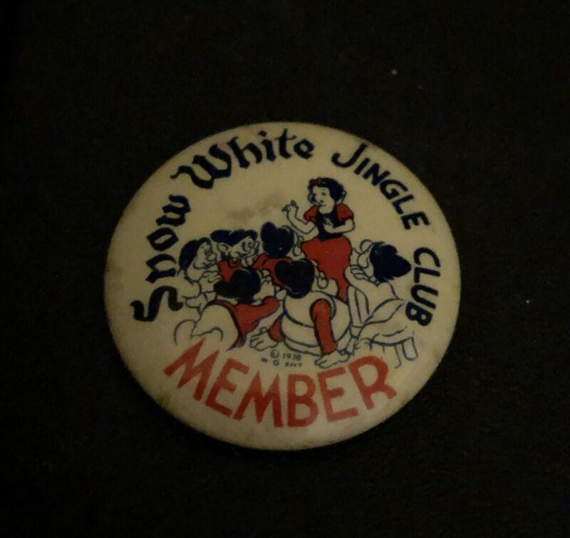 1938 Walt Disney Snow White Jingle Club Member Pinback