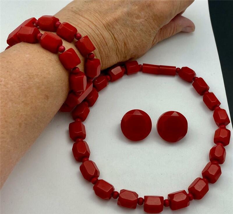 Vintage Cherry Red Bakelite Bead Necklace, Stretch Bracelet & Earrings Set
