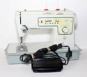 Working Singer Stylist Model 413 Zig Zag Portable sewing Machine 1960's