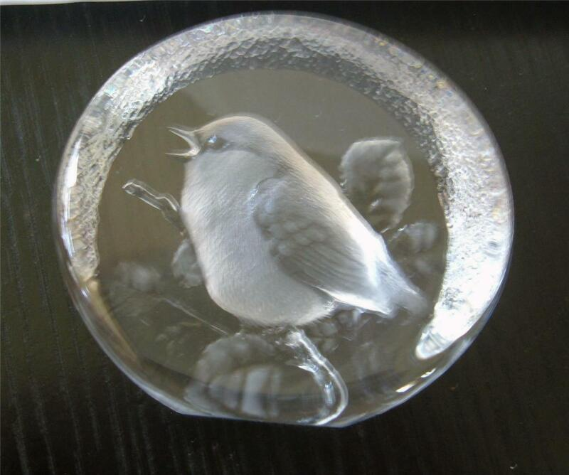 Mats Jonasson Reverse Carved Lead Crystal Glass Paperweight Bird Sweden Signed