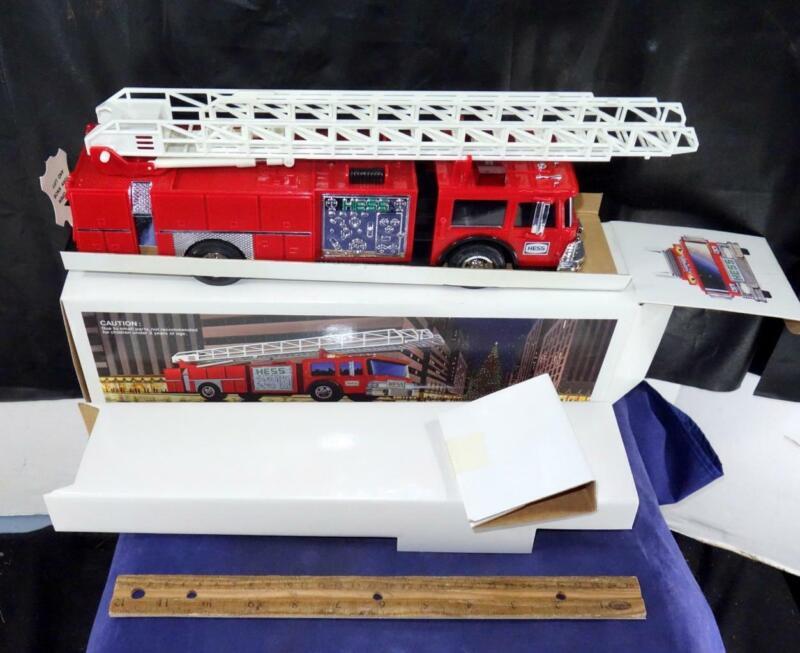 1986 Hess Fire Truck Bank w/ Original Box Insert Tested NIB !