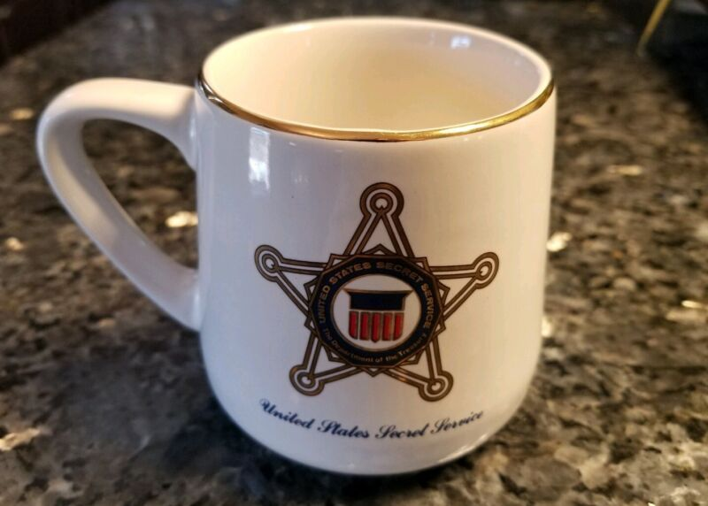 UNITED STATES SECRET SERVICE MUG Gold Trim