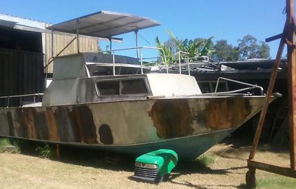 Motor boat & trailer
