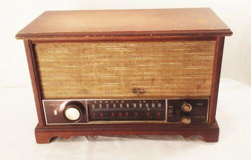 Vtg Zenith K731 am fm long range tube radio wood case table top mid century