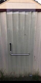 Free glass shower door