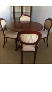 Vintage table and chairs Maroubra Eastern Suburbs Preview