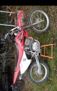 2006 Honda crf230f runs great!!