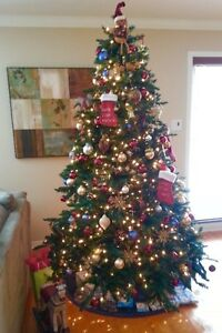Christmas tree with integrated lights & stand