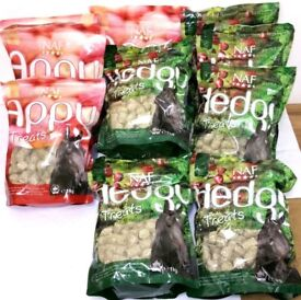 WHOLESALE JOBLOT OF NAF HORSE TREATS FEED HEDGY AND APPY - X11 1KG BAGS