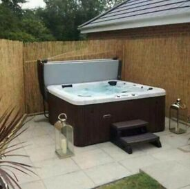 7 seater hot tub/ Jacuzzi