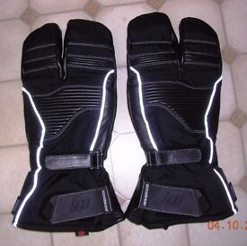 Almost new Hein Gericke Pathan 3 finger winter gloves with additional silk liners