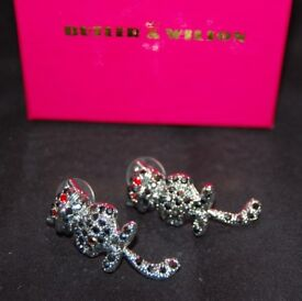 Butler and Wilson B&W designer collection: Swarovski Crystal cat earrings with moving tail BNIB