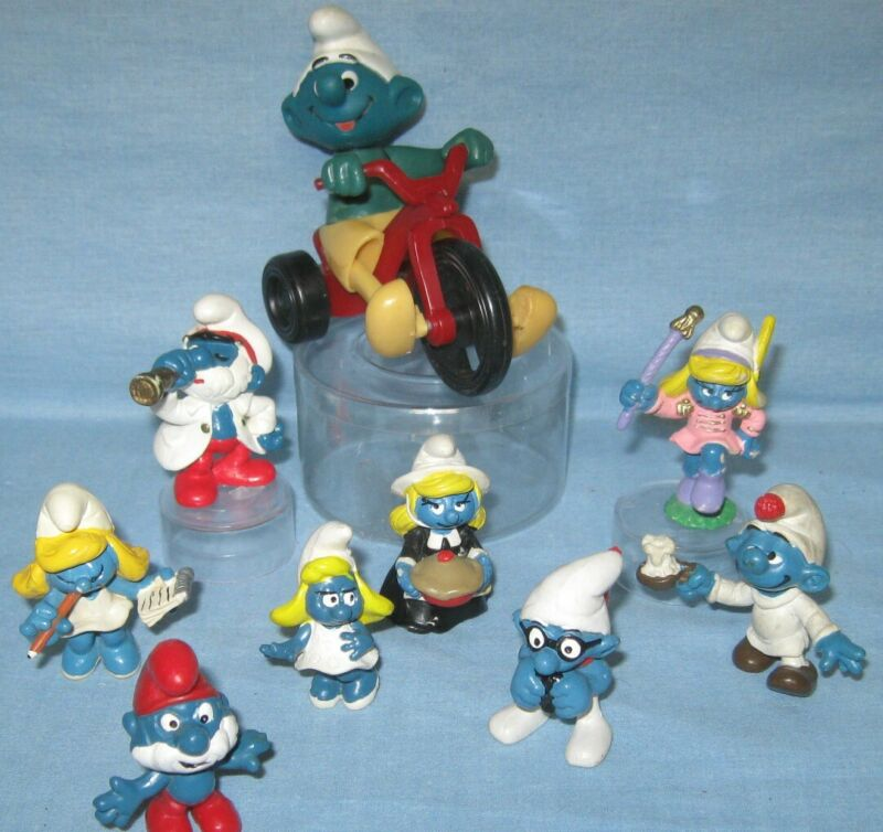 Vintage SMURF Figures - Lot of 9