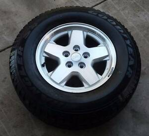 "JEEP CHEROKEE KJ 16"" WHEEL AND TYRE  235/70R16 16x7 01 - 07 Kallangur Pine Rivers Area Preview"