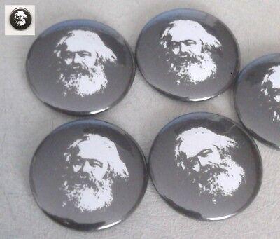 1x Karl Marx auf schwarzem Grund Button