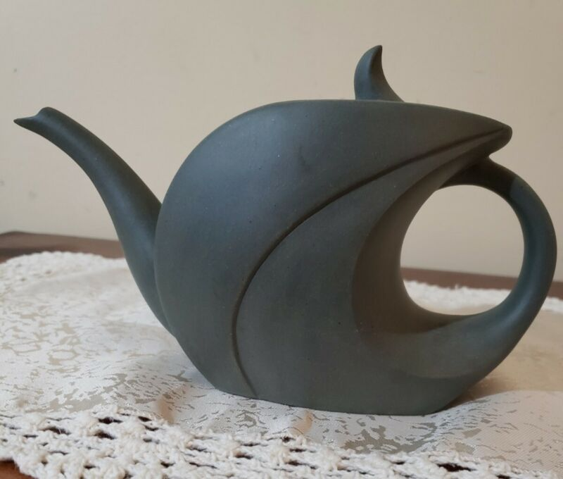 vtg pottery clay/ceramic green unglazed Asian/japan teapot gorgeous