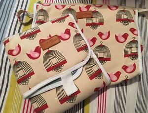 Apple & Bee cosmetic/baby goods bag and matching change mat South Yarra Stonnington Area Preview