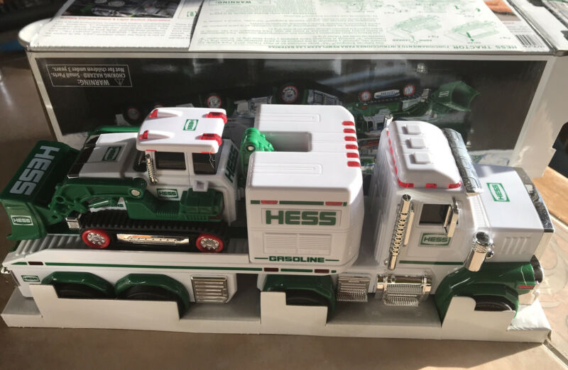 HESS 2013 TOY TRUCK AND TRACTOR Lights Flashers Sound & Mechanical Bucket TESTED